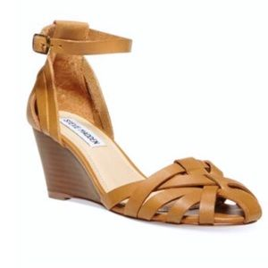 Steve Madden leather Nessie tans wedge sandals 7.5